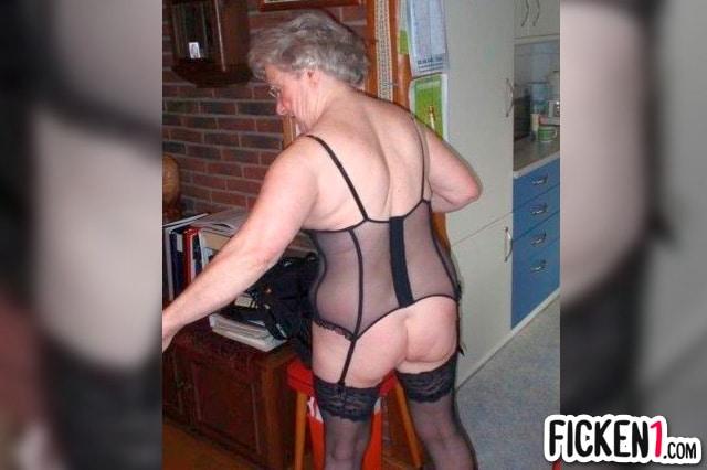 Scharfe Oma aus Idar-Oberstein will dich im Bett haben